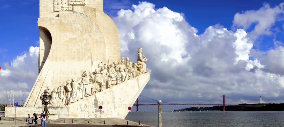 Lisbon: Hop On-Hop Off Tour