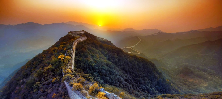 Sightseeing Tour with Great Wall of China