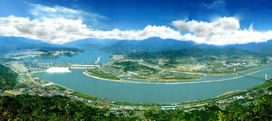 Disembark, Yichang: Three Gorges Dam – Shanghai