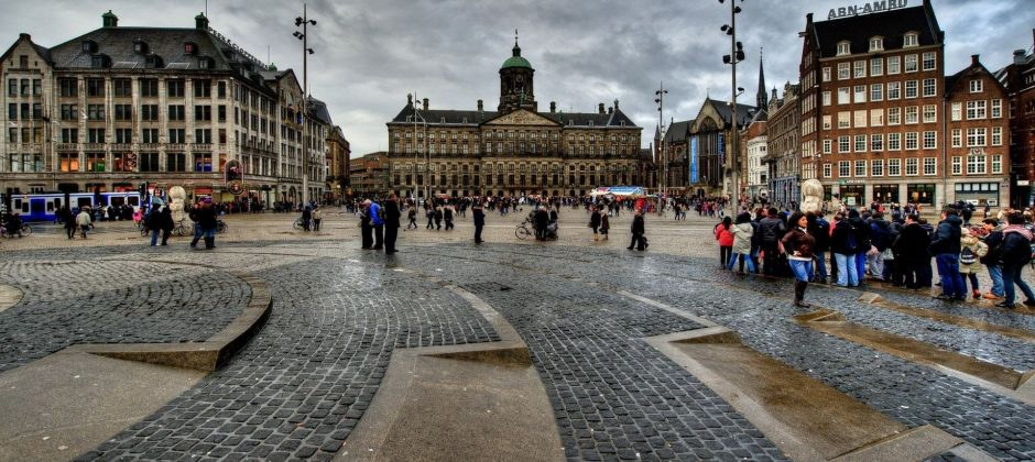 Amsterdam: City Tour + Delft and The Hague