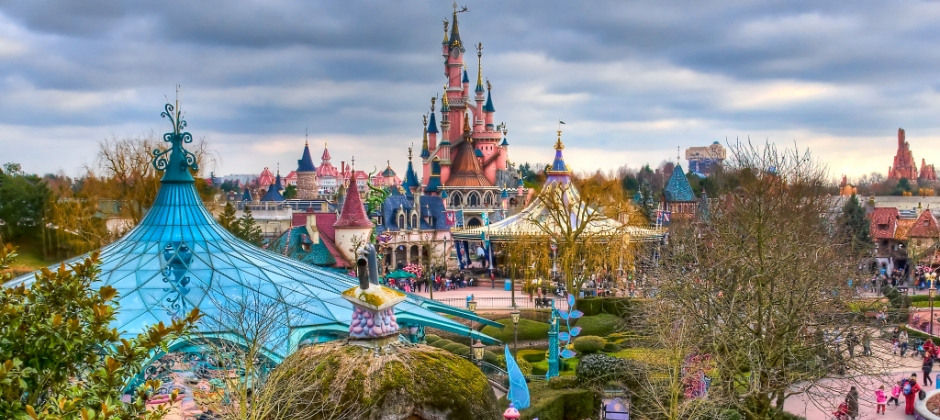 Paris: Day Free at Leisure Or Full day visit to Disneyland Or Full day visit to Versailles Palace-