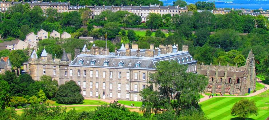 Edinburgh: Hop-On-Hop-Off City Sightseeing Tour