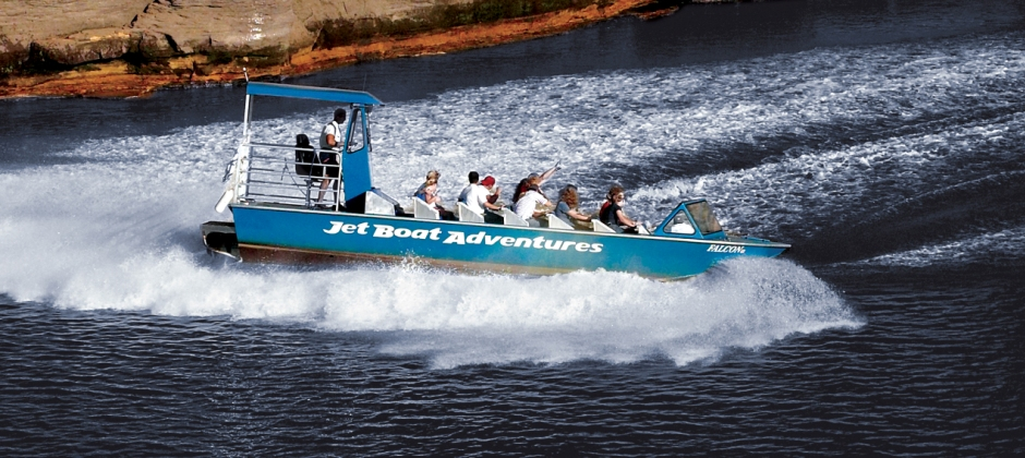 Anchorage  -  Talkeetna By Train  (3 Hrs): Wilderness Jetboat Tour