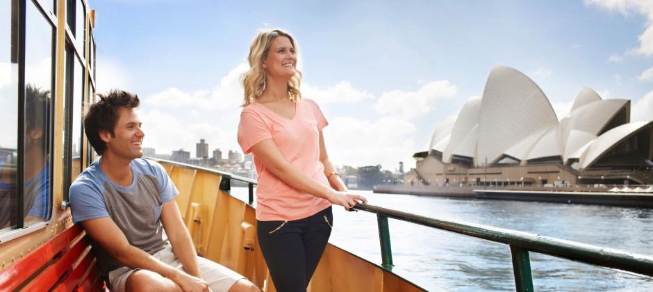 Sydney: City Tour,  Aquarium, Sydney Tower Eye With  4D & Sydney Show Boat Cruise