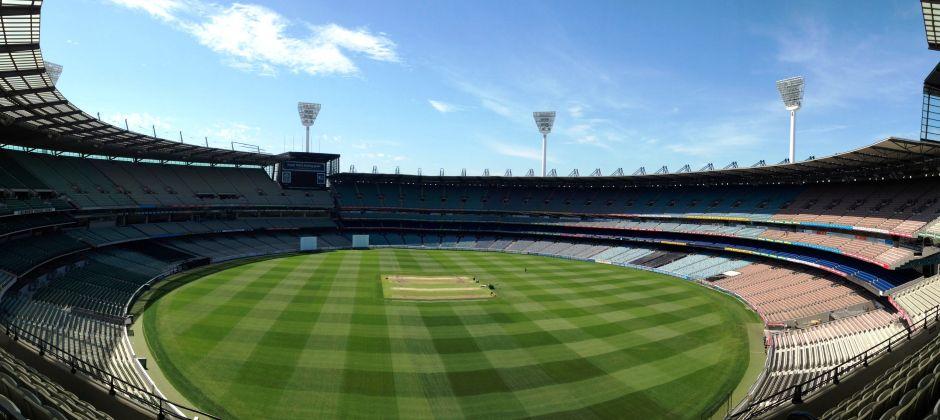 Melbourne:  City tour, Melbourne Cricket Ground (MCG) tour or Melbourne Yarra River Cruise