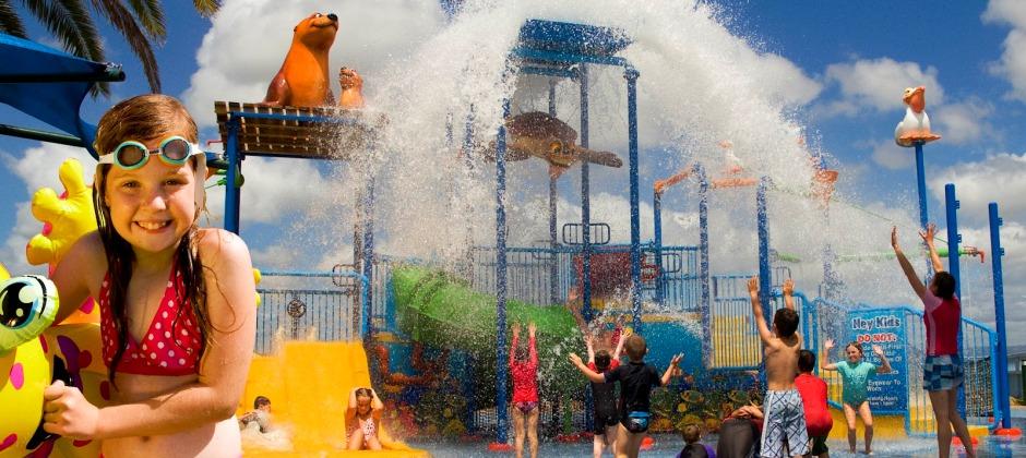 Gold Coast: Sea World or Movie World