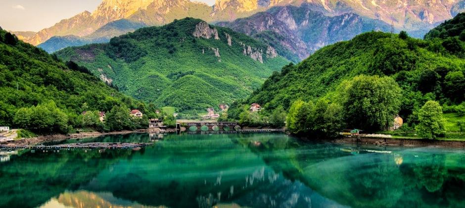 Mostar – Jablanica (47 Km) – Konjici (Tito Bunker) (23 Km) - Sarajevo (62 Km)