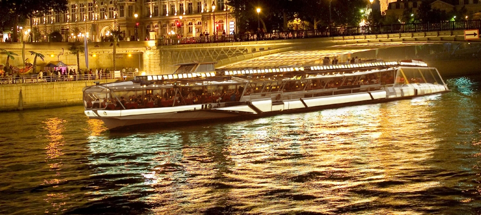 Lucerne – Paris | Illumination tour of Paris with Cruise & Eiffel tower