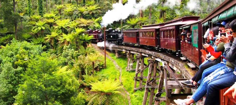 Melbourne – Combo tour of Puffing Billy with Yarra Valley
