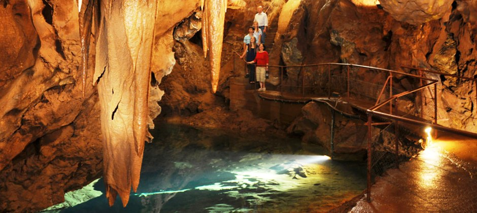 Full Day Blue Mountains Tour With Jenolan Caves